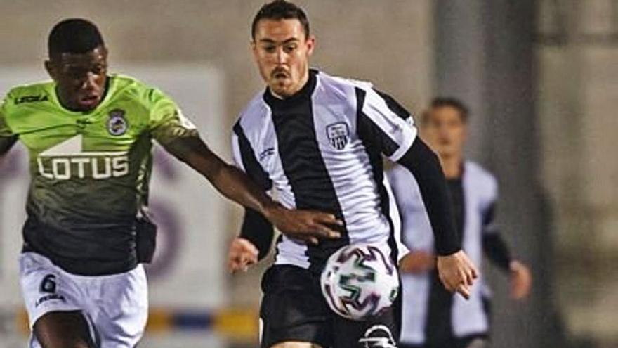 La Peña Deportiva completa su ataque con el delantero alavés Mikel Bueno