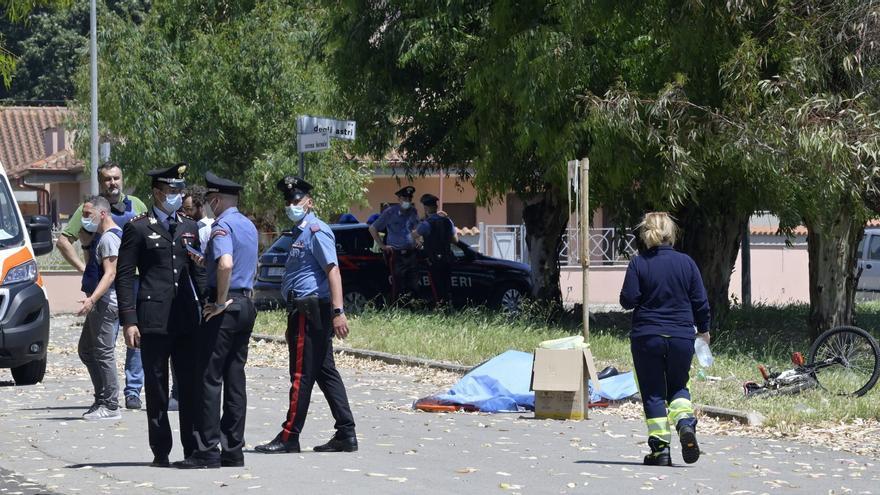 Mata a un anciano y dos niños en Roma y después se suicida