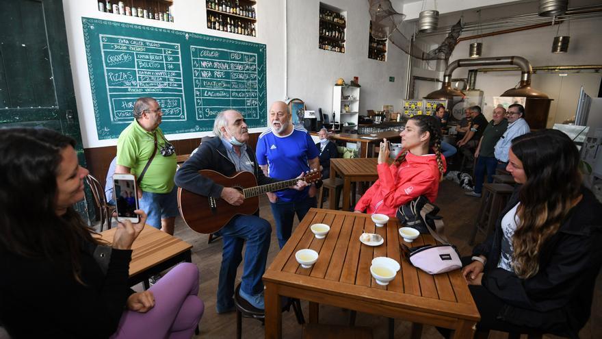 """Un chiquiteo con Ribeiro en Pontevedra sabe mejor con este """"Amapola"""""""