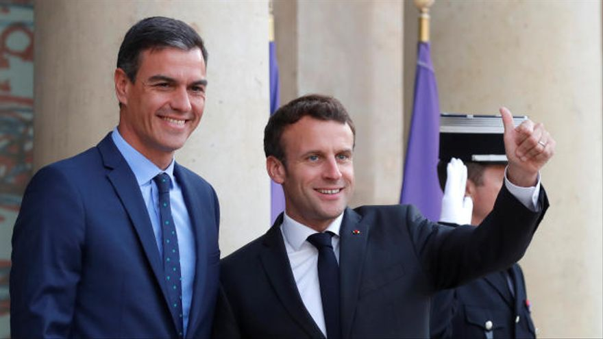 Macron y Sánchez planean una alianza para frenar a la ultraderecha