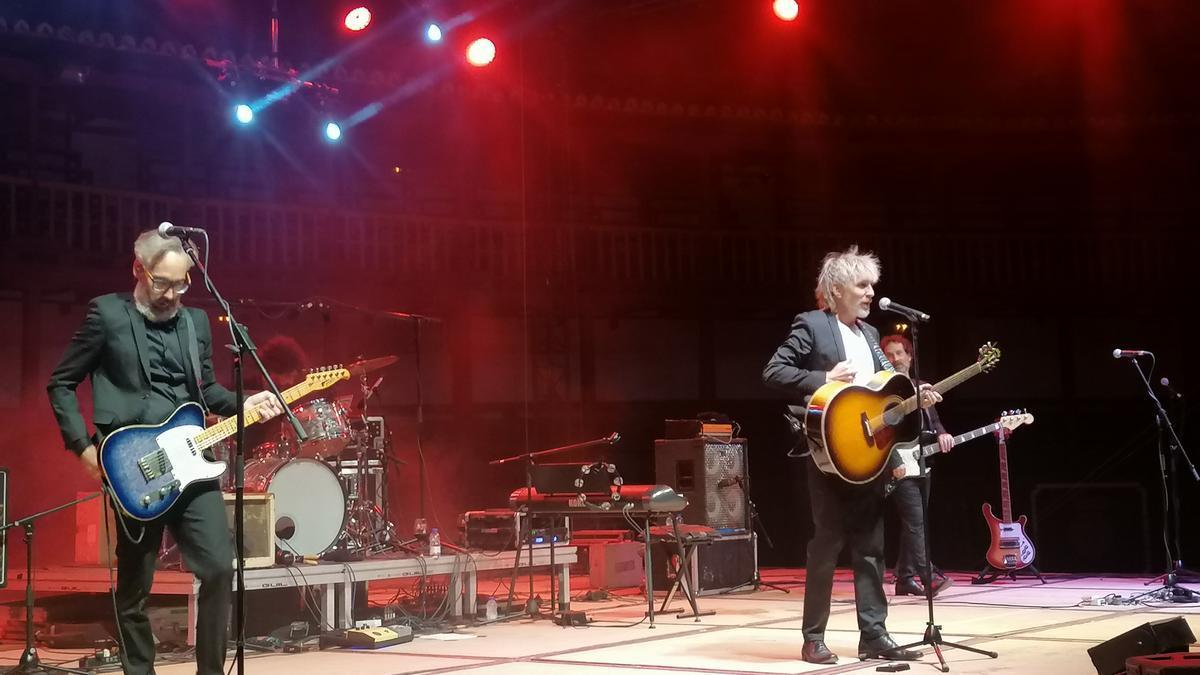 La banda presenta una de las canciones interpretadas durante el concierto ofrecido en Toro