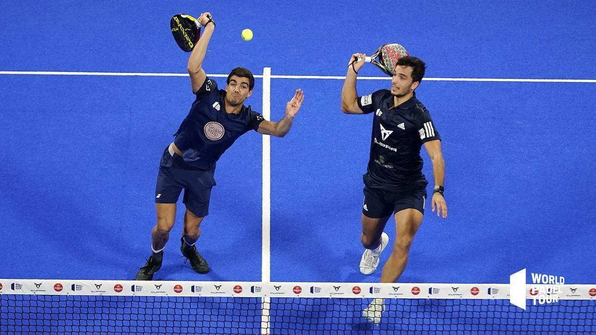 Los españoles Lebrón y Galán, en su semifinal en Alicante ante Maxi Sánchez y Di Nenno.