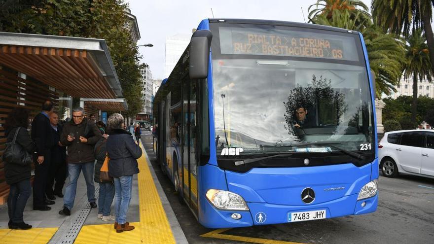 El Concello exige que la Xunta detalle el nuevo plan de líneas de bus comarcales