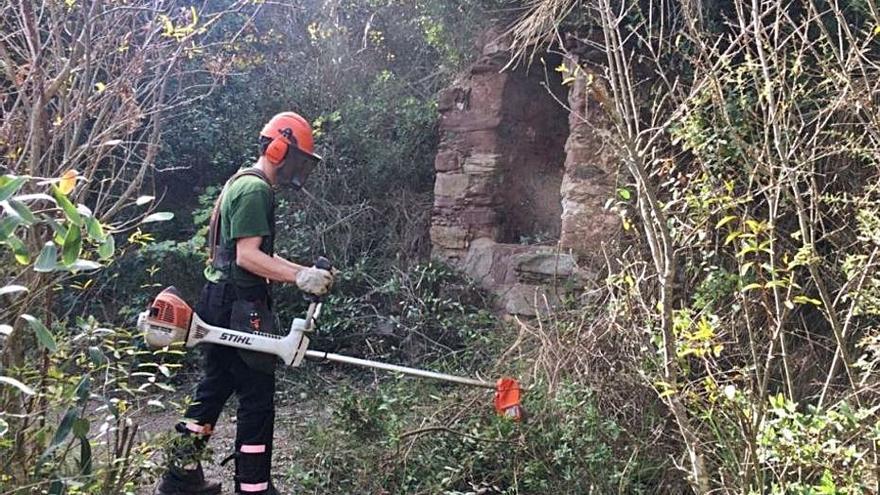 Olesa senyalitza camins i corriols per preservar l'entorn natural
