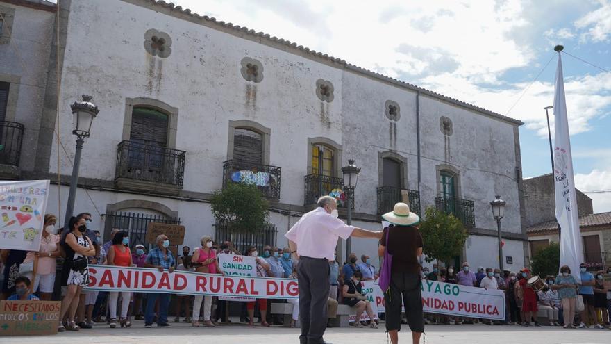 GALERÍA | Una multitud se manifiesta en Sayago por una sanidad rural digna