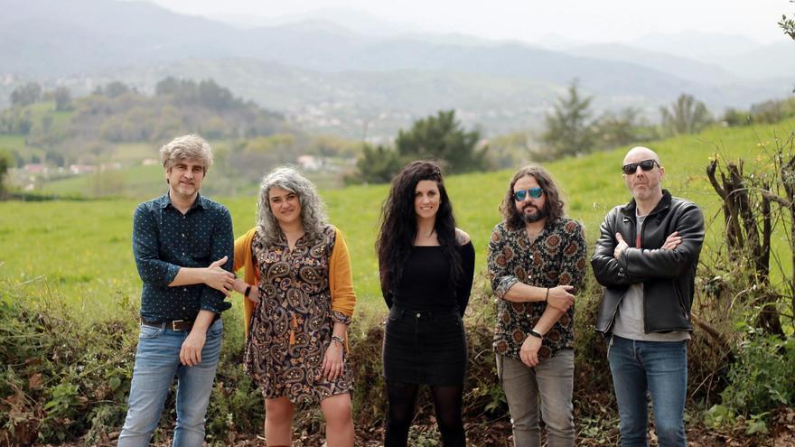 """LA NUEVA ESPAÑA estrena en exclusiva el primer trabajo del grupo asturiano """"Deville & La Fuerza"""""""