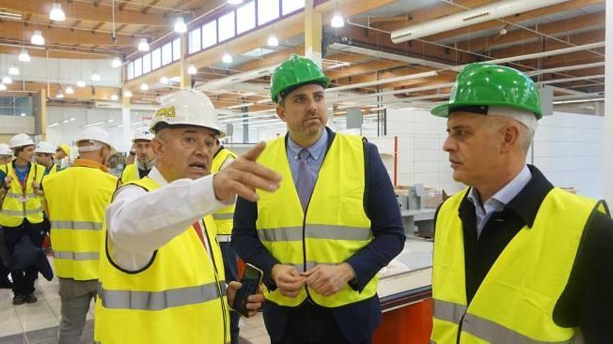 El nuevo Carrefour de Cullera apuesta por vender productos de la comarca