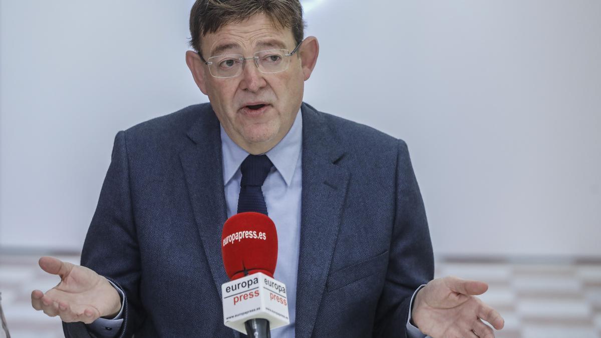 Archivo - El presidente de la Generalitat valenciana, Ximo Puig, durante una entrevista para Europa Press, en Valencia, Comunidad Valenciana (España), a 19 de febrero de 2021.