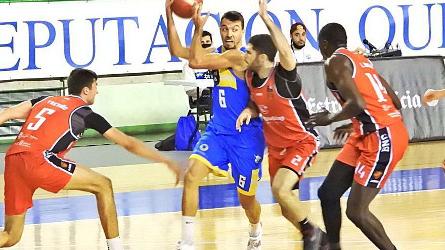 El Club Ourense Baloncesto suma su tercera victoria consecutiva