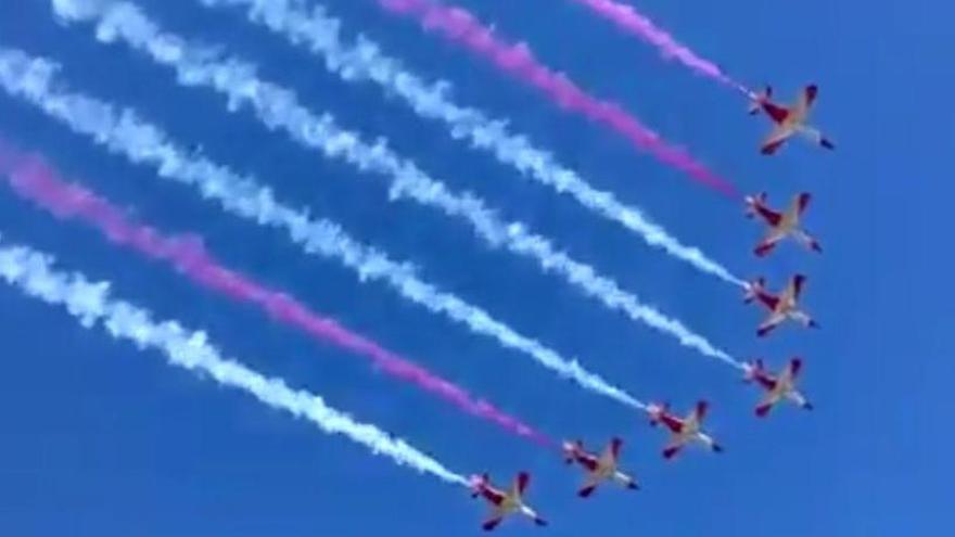 Els pilots de l'exèrcit la pifien pintant la bandera espanyola