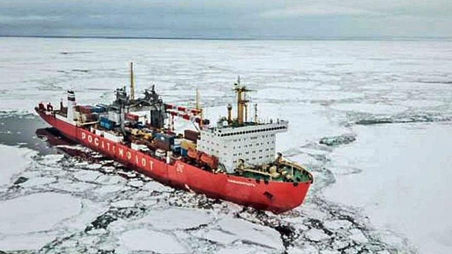 Más de 12.000 barcos como el buque nuclear ruso pasan cada año frente a las costas gallegas