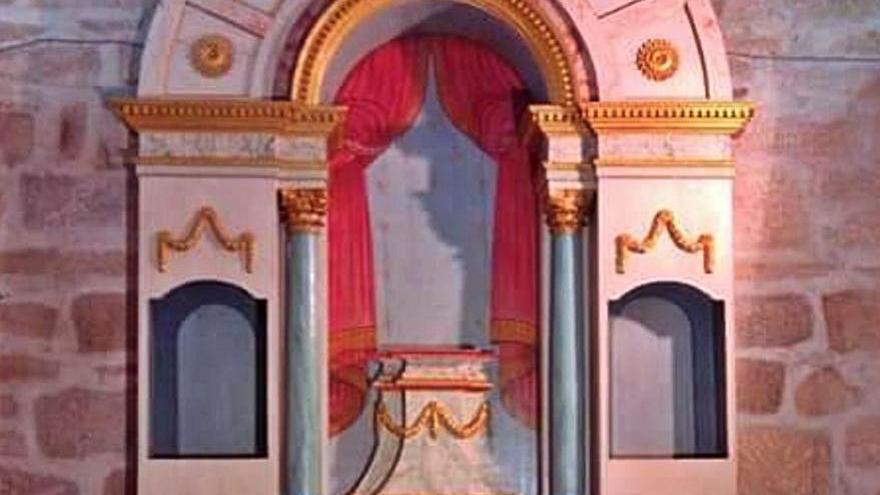 La iglesia de Arnoso recupera el retablo de la Virgen de los Dolores con apoyo vecinal