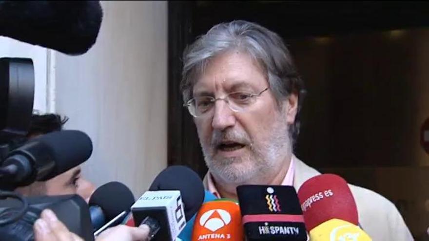 """Pérez Tapias: """"El PSOE está roto y no veo solución"""""""