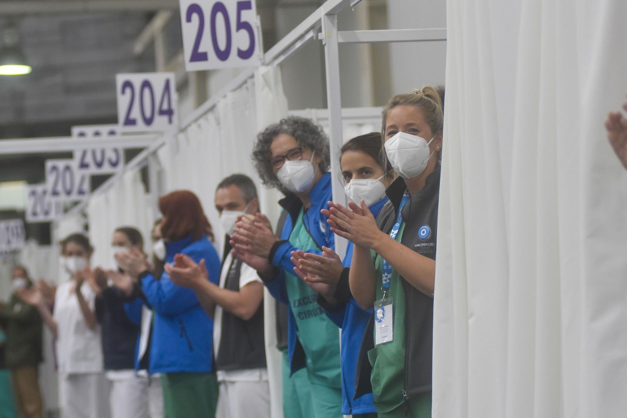 Aplauso de sanitario a los enfermeros del COVID-19 en Expocoruña