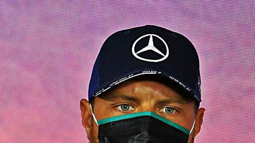Mercedes domina sin apuros el viernes en Montmeló