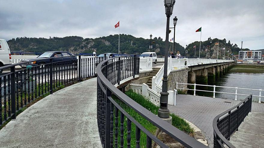 Los técnicos estudian cómo resolver el futuro acceso peatonal al puente de Ribadesella