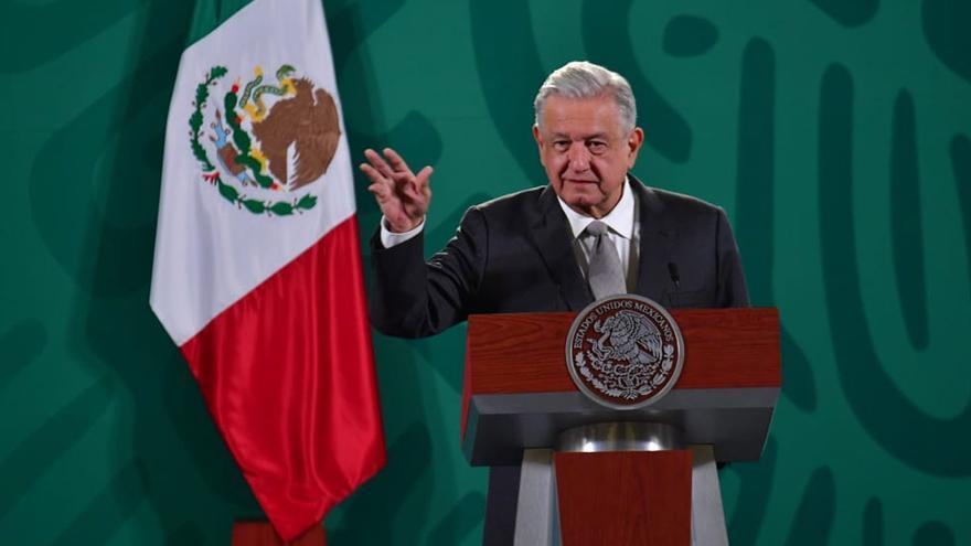 "López Obrador critica a los dirigentes españoles ""titubentantes"" ante Vox, ""retoño del franquismo"""