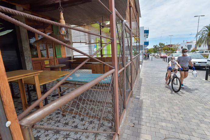 06-05-2020 SAN BARTOLOMÉ DE TIRAJANA. Pequeño comercio en el sur. En la imagen, comercios de la avenida de Galdar. Fotógrafo: Andrés Cruz    06/05/2020   Fotógrafo: Andrés Cruz