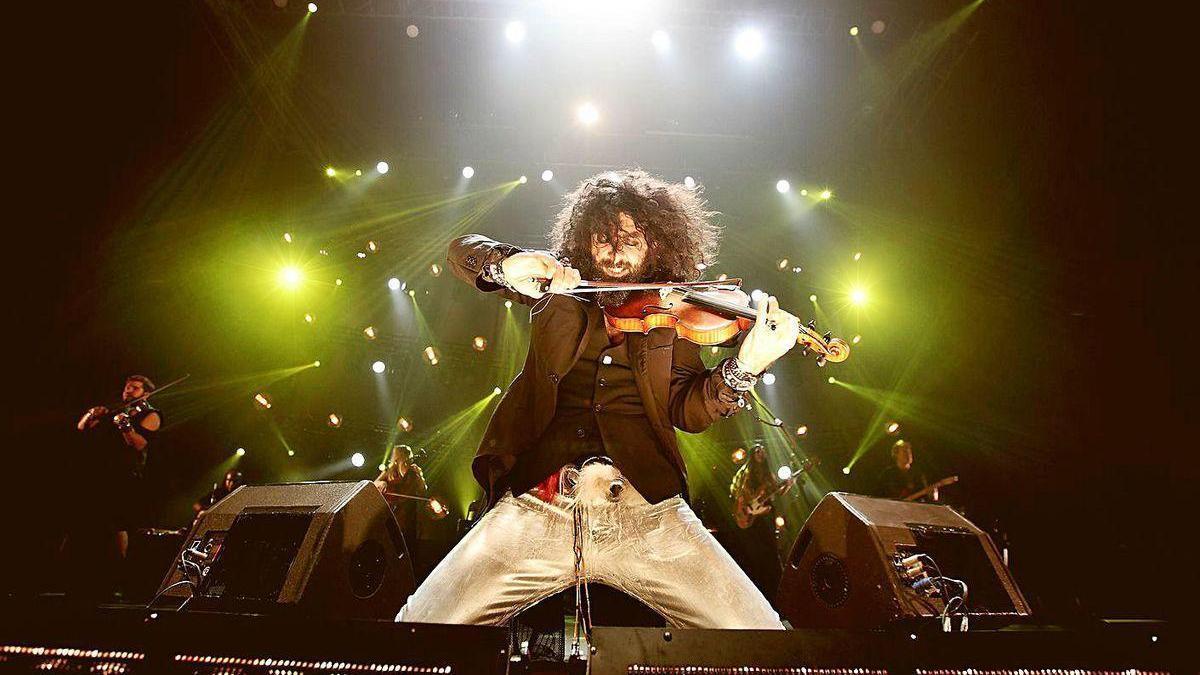 El violinista Ara Malikian, durante un concierto.