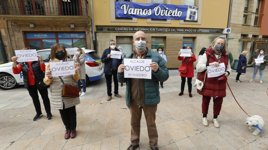 "Asociaciones vecinales acusan a Canteli de consentir que Otea sea ""el décimo concejal del PP"""