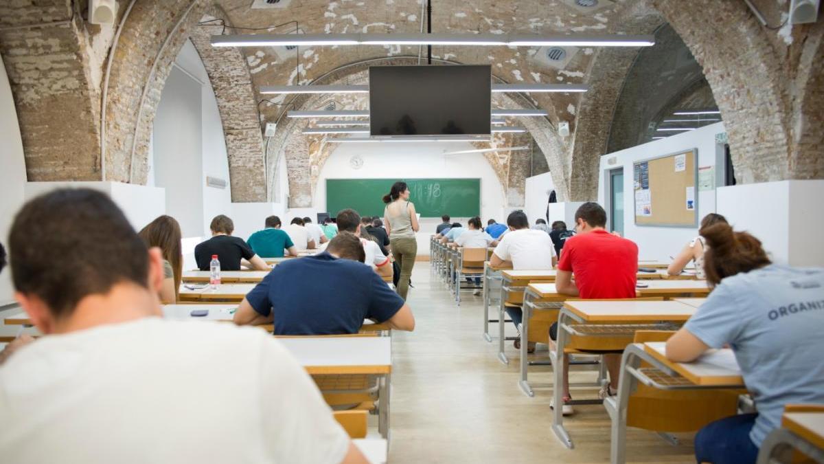 Examen presencial en las instalaciones de la UPCT