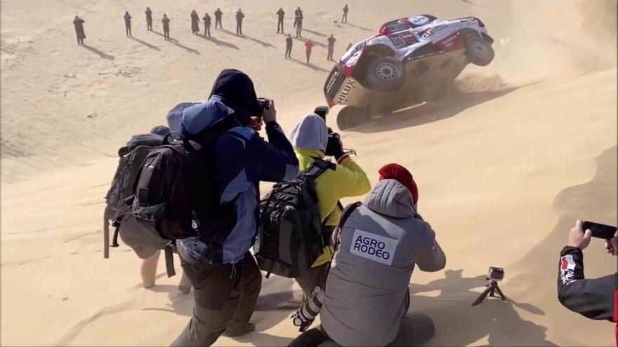 Alonso i Coma bolquen a la desena etapa i Sainz té molt a prop el Dakar