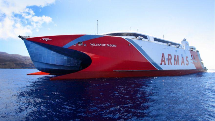 Naviera Armas elimina la impresión de cinco millones de tarjetas de embarque anuales