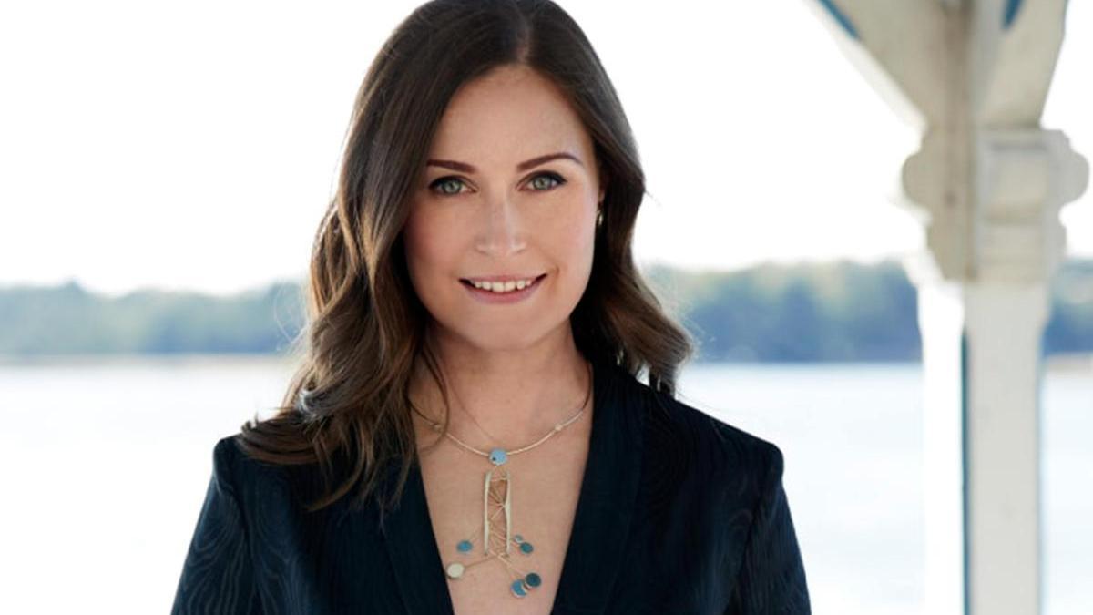 El debatido escote de Sanna Marin, primera ministra de Finlandia