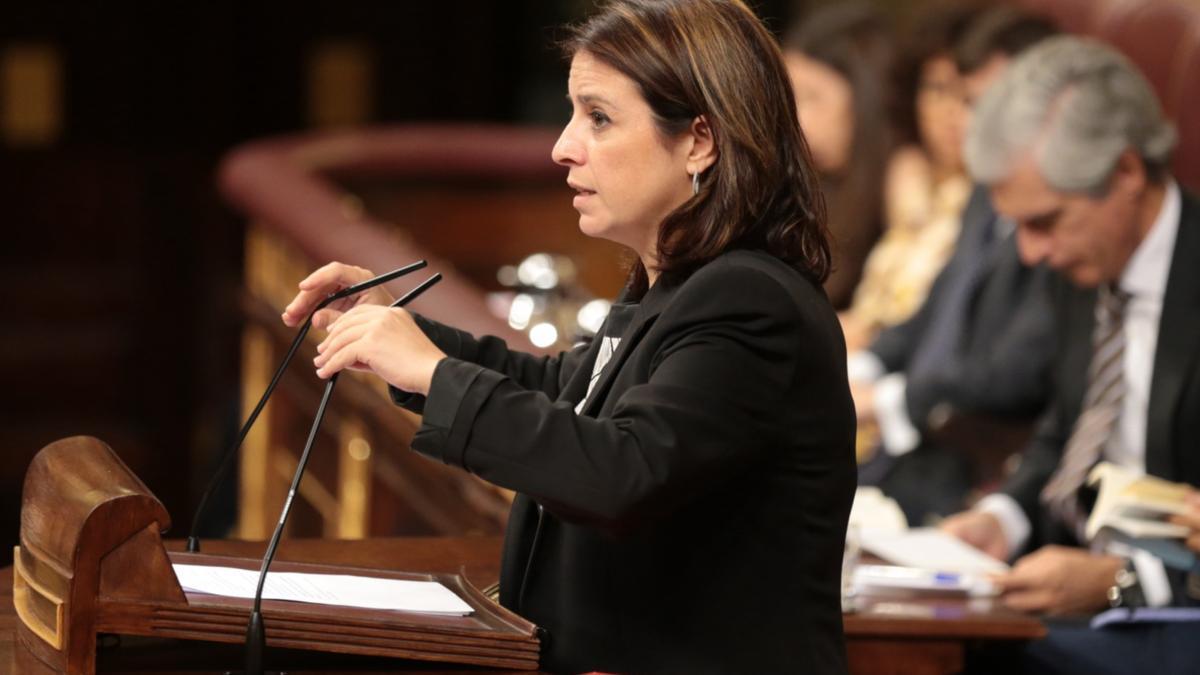 La portaveu del PSOE, Adriana Lastra, intervé al Congrés el 25 de juliol de 2019