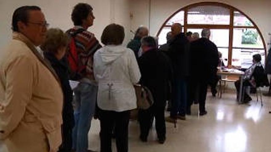 Los asturianos votan en las Elecciones Generales 2015