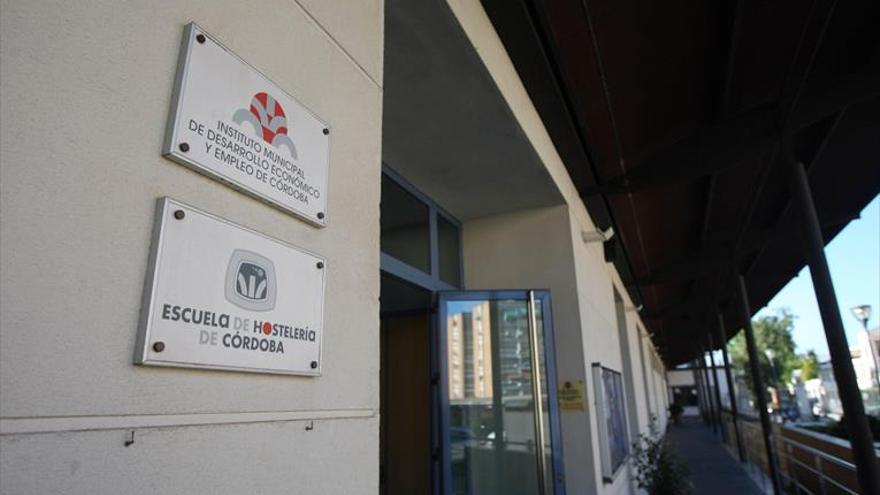 El Ayuntamiento quiere relanzar con un consorcio la Escuela de Hostelería