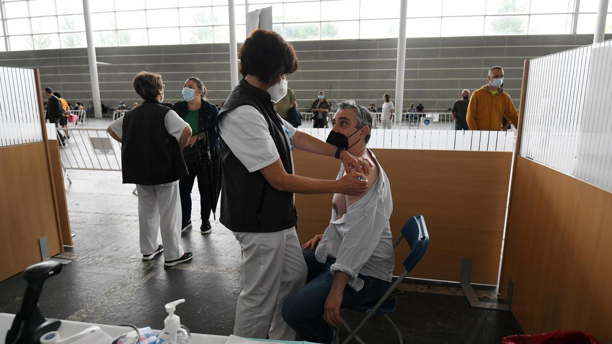 Vacunación masiva contra el COVID en el Recinto Ferial de Pontevedra