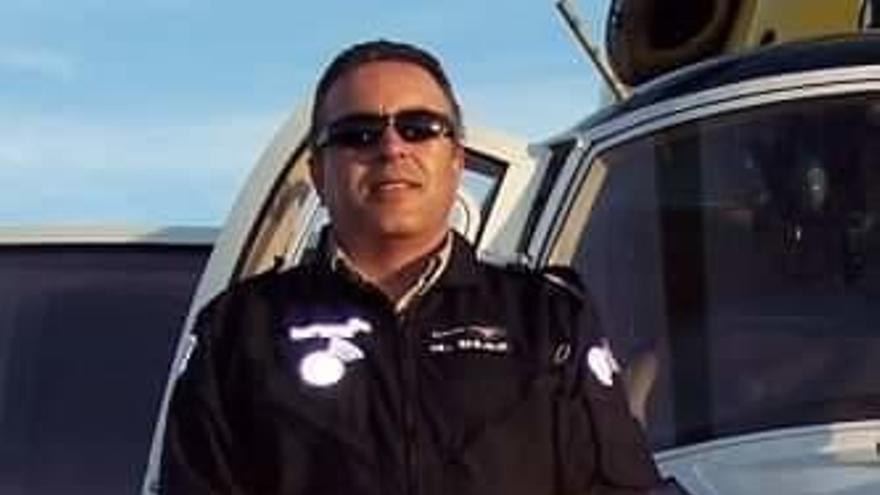Homenaje del helicóptero medicalizado al enfermero fallecido 'Braulio'
