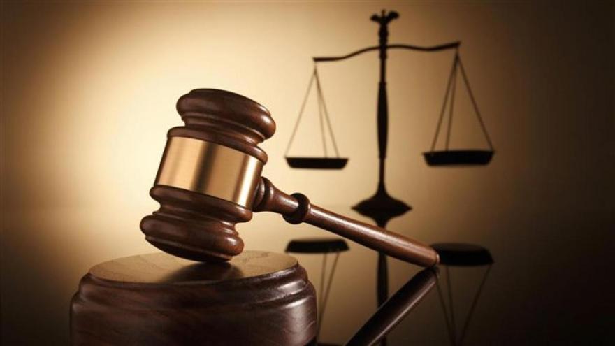 Condenado a prisión por maltratar a su madre al no darle dinero para porros