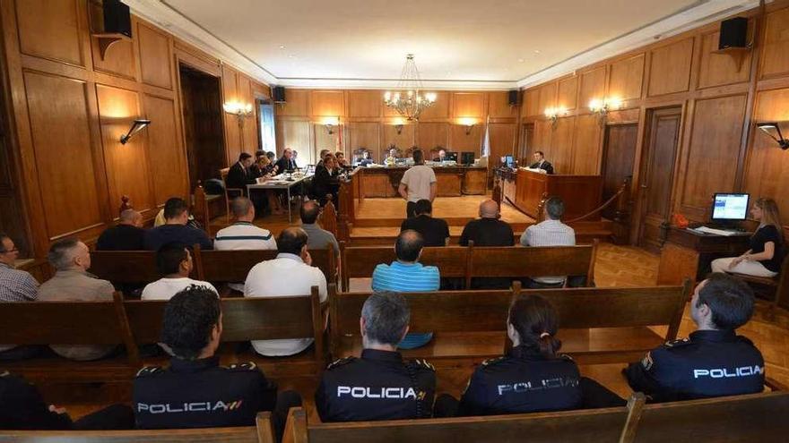 """Cinco de los 13 acusados se desvinculan del alijo de O Mulo, al que varios consideran """"jefe"""""""