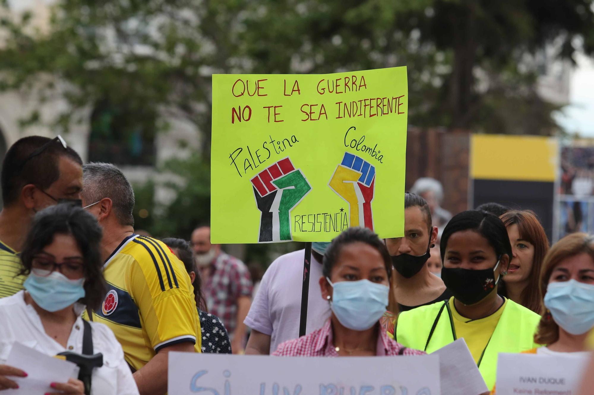 """Diversos colectivos denuncian en València la """"represión"""" de Colombia a las concentraciones por la paz"""