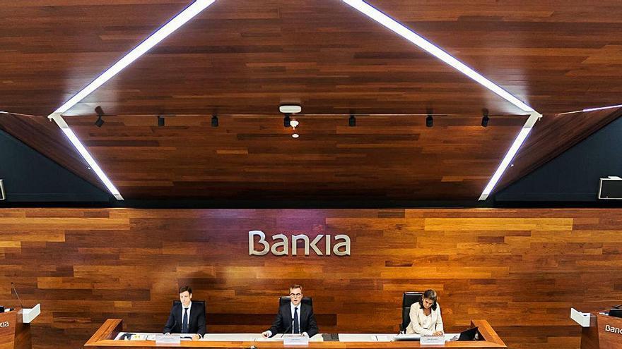 Bankia abre la puerta a nuevas fusiones y repartirá dividendos a partir de 2021