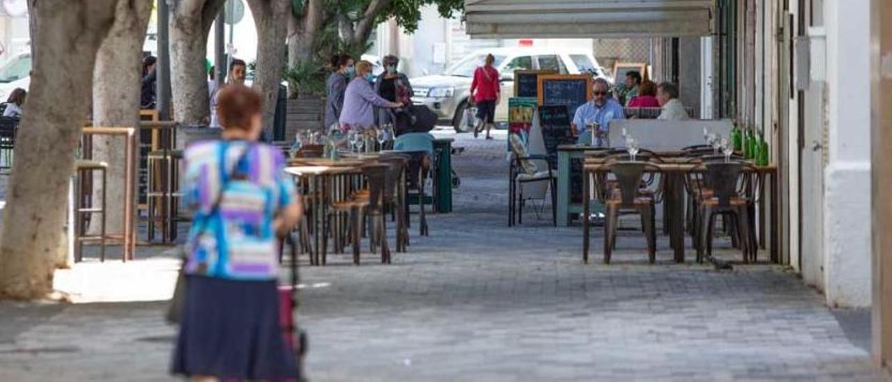 El Govern sabrá mañana si puede mantener el toque de qieda en Ibiza.