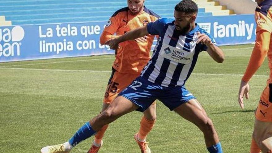 El Alcoyano se aleja del «play-off» (0-0)