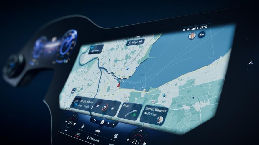 Mercedes-Benz empleará una pantalla de casi metro y medio en el EQS