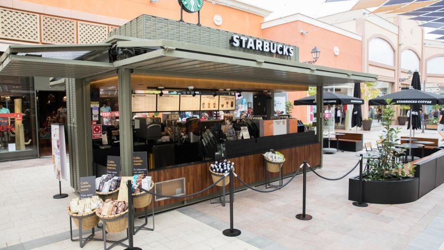 Starbucks llega al centro comercial de La Zenia