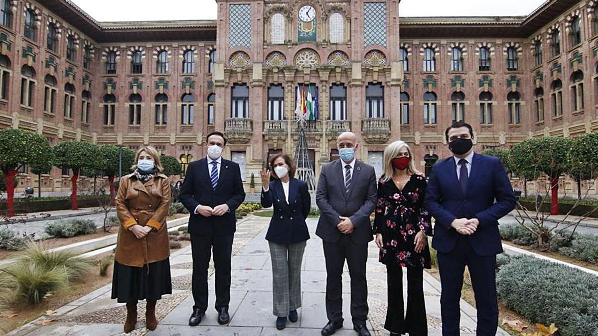 Representantes de todas las instituciones, el 11 de diciembre, día de la firma del protocolo en Córdoba.