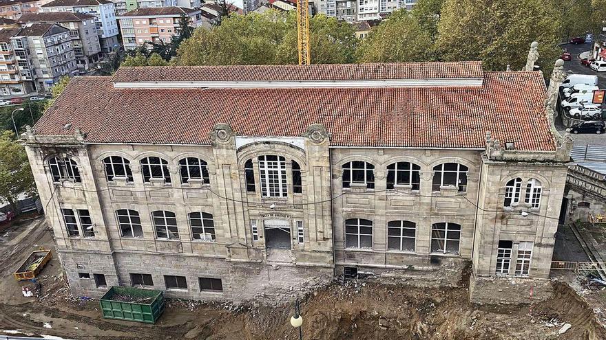 Sispavitec retira cubiertas con amianto en edificios emblemáticos de Galicia