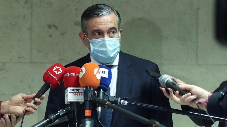 Enrique López niega que la actual dirección del PP conociese los contactos con Bárcenas