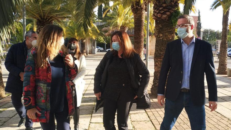 Patricia Gómez, Armengol e Hila, a su llegada al Germans Escales.