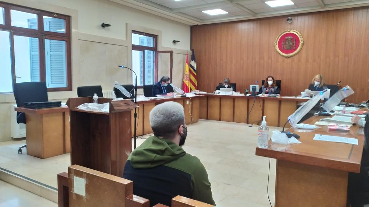 Dos años y medio de cárcel por abuso sexual y maltrato a su novia de 14 años