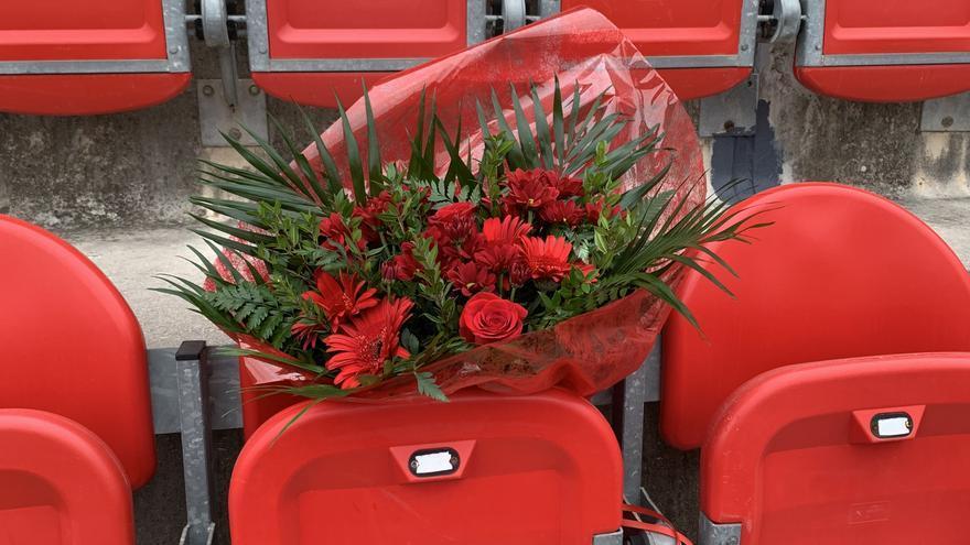 El Real Mallorca rinde homenaje al socio número 11 fallecido recientemente por covid