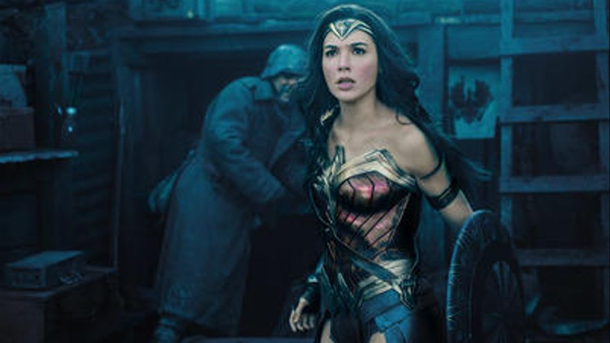 CRÍTICA | «Wonder Woman» és una superheroïna amb camp per córrer