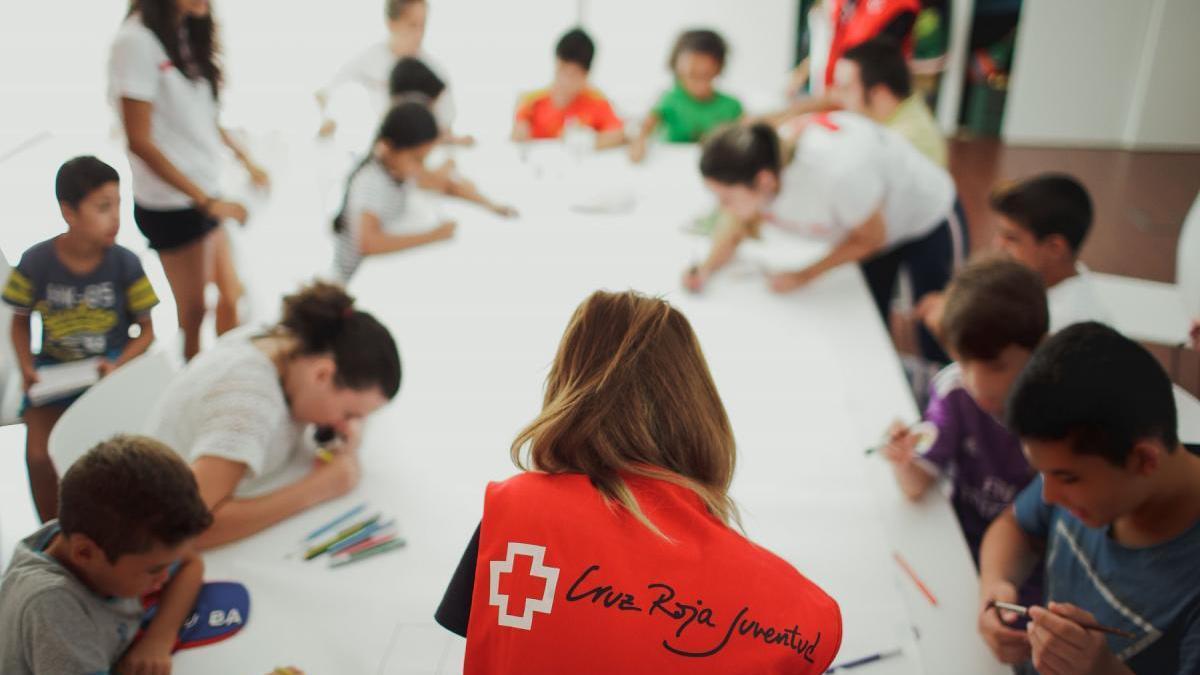 150 menores participan en la escuela de verano de Cruz Roja Juventud en Córdoba