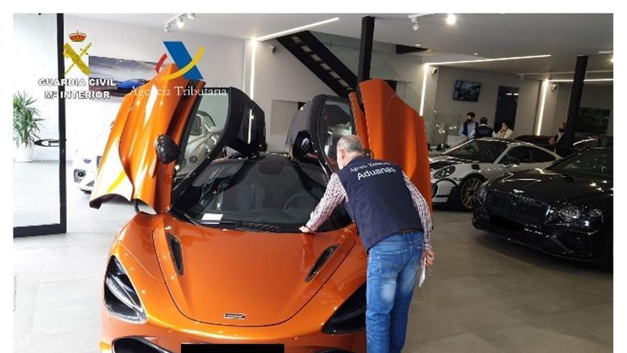 Ocho detenidos por defraudar siete millones de euros de IVA en la compraventa de vehículos